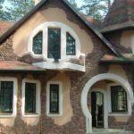 Разнообразие фасадов зданий