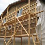 Отделка сайдингом деревянного дома: плюсы, минусы и рекомендации по монтажу