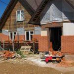 Советы о том, как обложить кирпичом деревянный дом