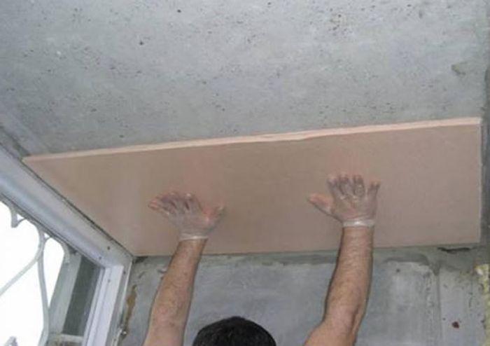 Kak-pravilno-prikleit-penoplast-k-betonu