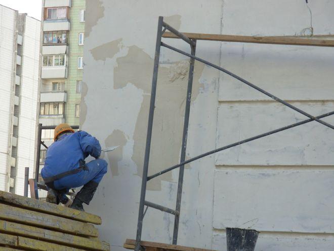 Remont-oshtukaturennogo-fasada
