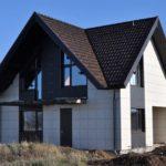 Почему керамогранит монтируют на фасад?