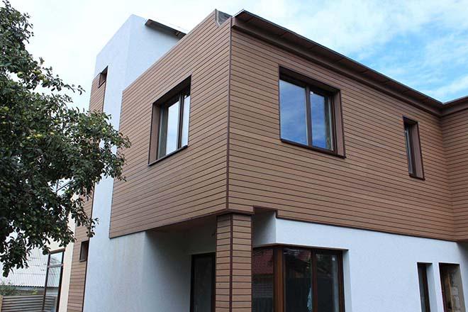 fasadnaya-oblitsovka-derevyannogo-doma-planken