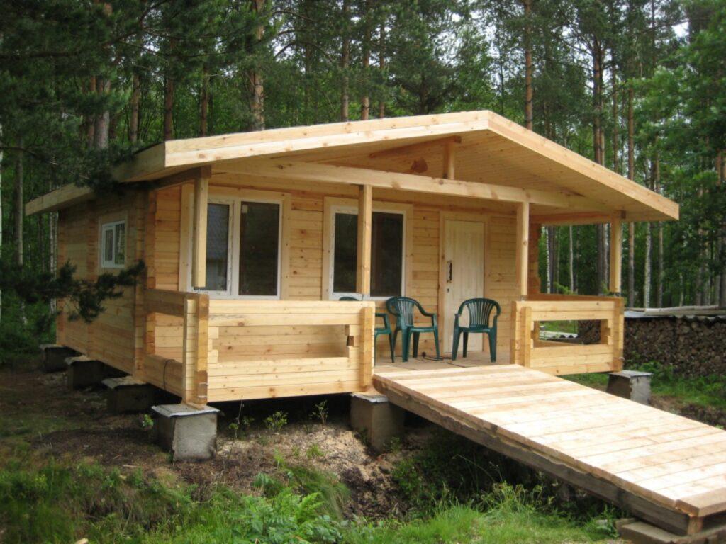 Строим садовый домик из дерева с баней